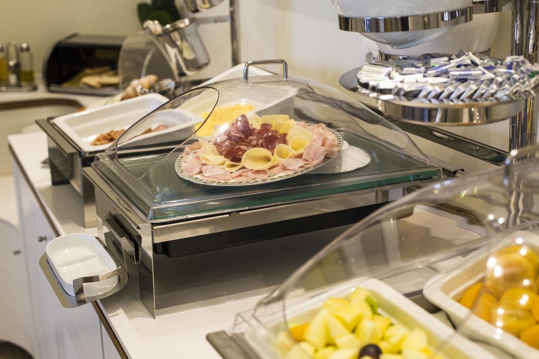 Breakfast Buffet, Detail
